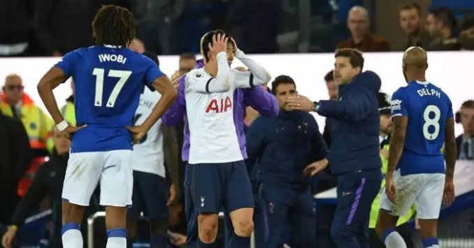 Tottenham Appeal Son Red Card At Everton Match