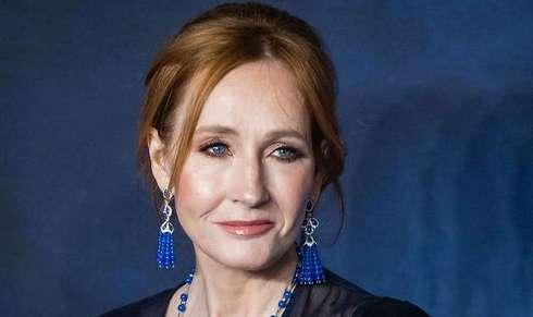 JK Rowling Deletes Tweet Praising Stephen King After He Says 'Trans Women Are Women'