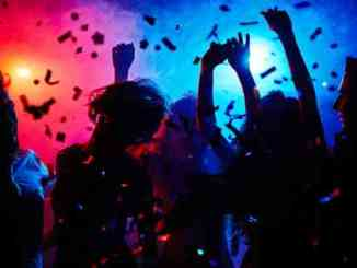 Spain, Italy close recently re-opened nightclubs as COVID-19 cases increase
