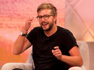 "Iain Stirling Thinks It Would Be ""Great"" If His Girlfriend Proposed To Him"