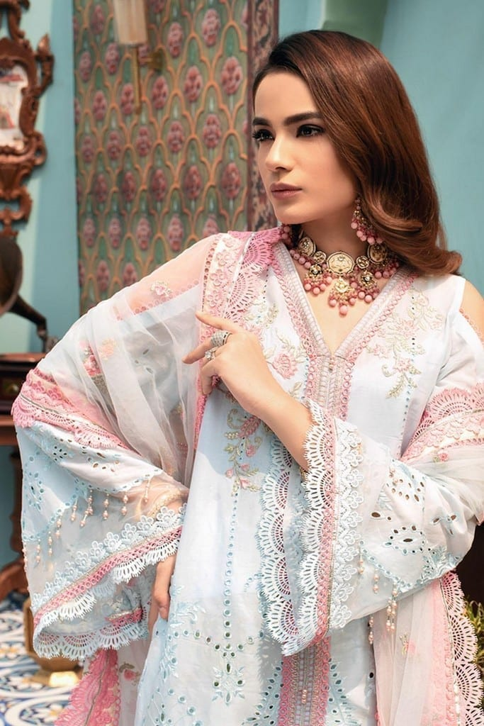 NOOR BY SADIA ASAD | CHIKANKARI'21 Collection | D1-KAIROS