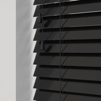 Gloss-Black1-800x800