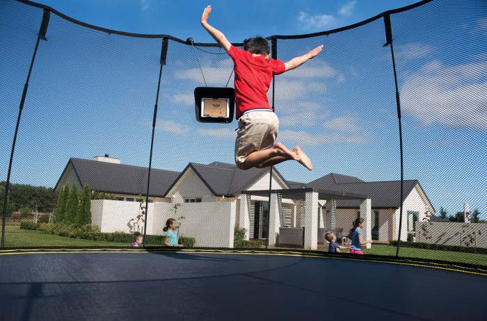 Springfree Trampoline Canada GIVEAWAY. Tgoma Technology.