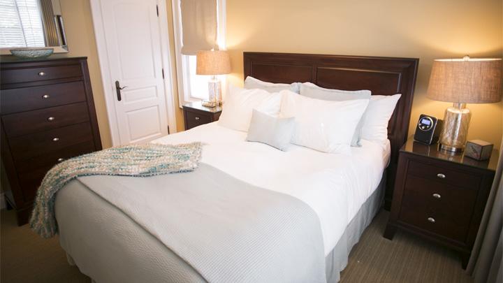 124 on Queen bedrooms
