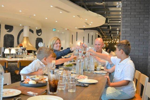 Family Table MidiCi.House of Kerrs.Market & Co. Review