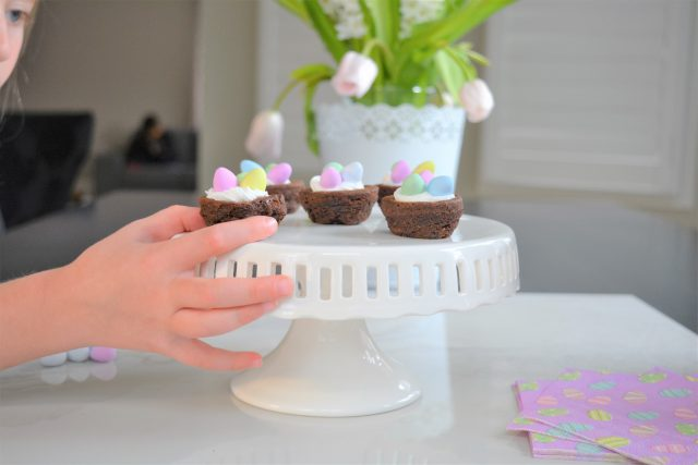 No Bake Easter Desserts | Easy Easter Recipes | Mini Egg Brownies | Entertaining Simplified | House of Kerrs
