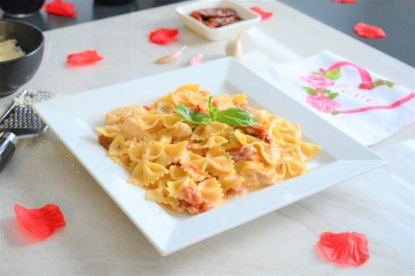 Date Night Recipe   Valentine's Day   Sundried Tomato Chicken Alfredo  