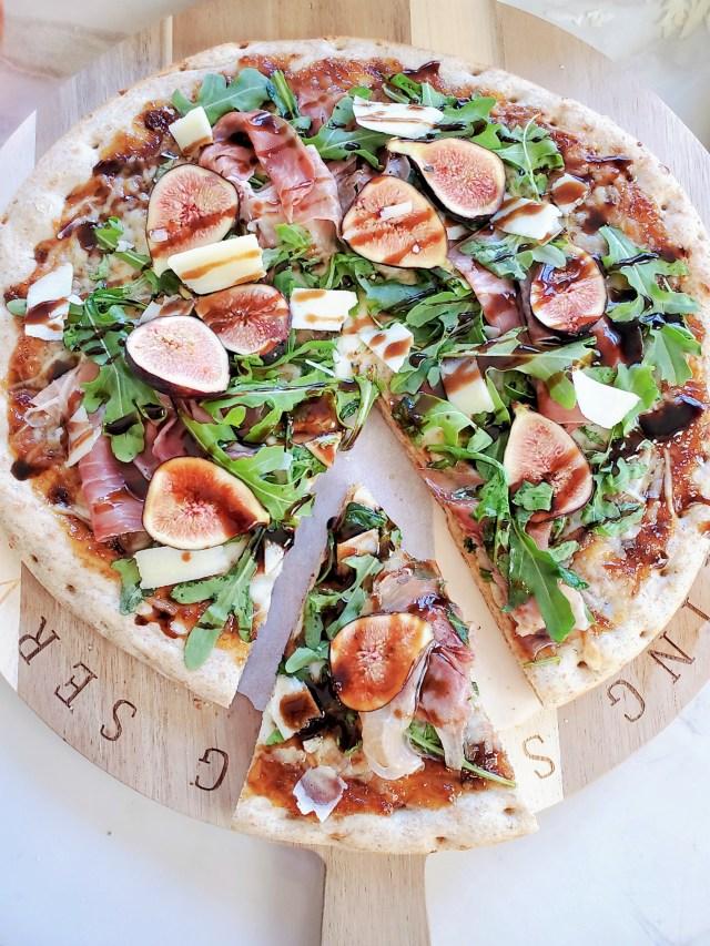 rustic fig prosciutto flatbread pizza