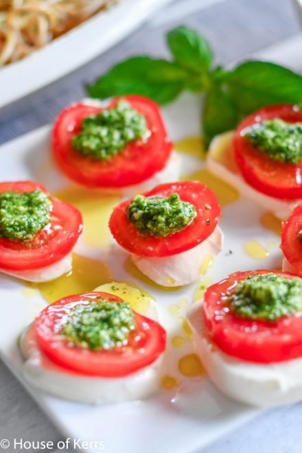 Italian Caprese Salad Pods with Pesto