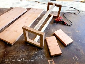 Easy assembly pine bench tutorial
