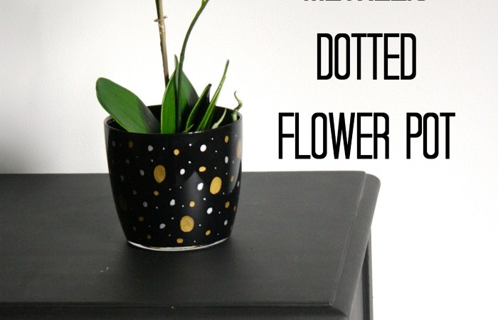 Love this! Easy, embellished flower pot by Designer Trapped in a Lawyer's Body for Houseologie.