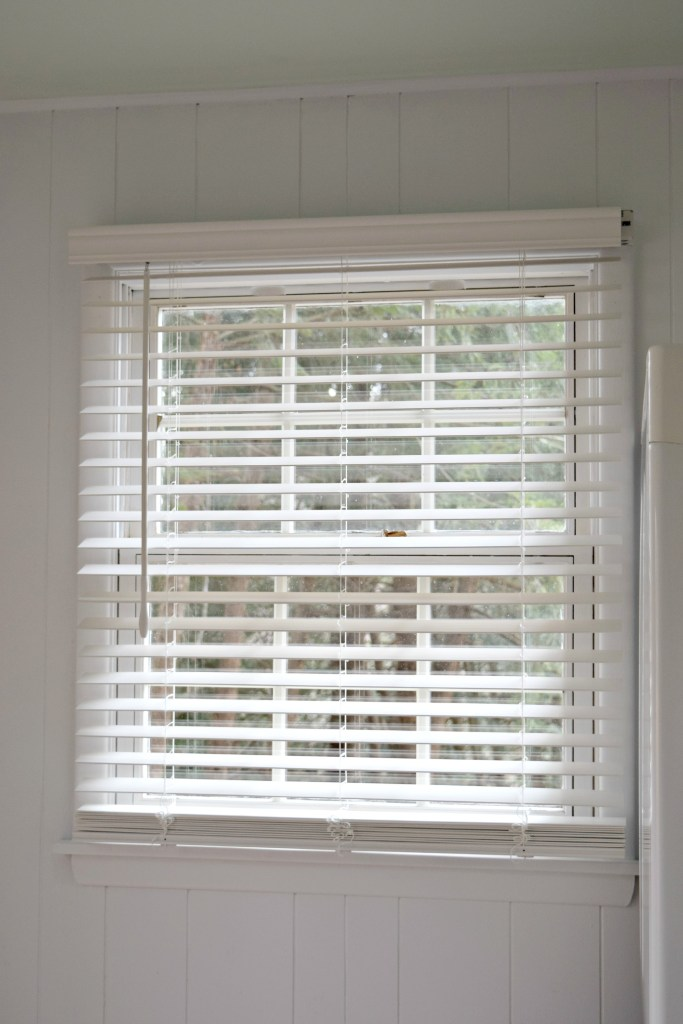Lowe's Levolor Blind