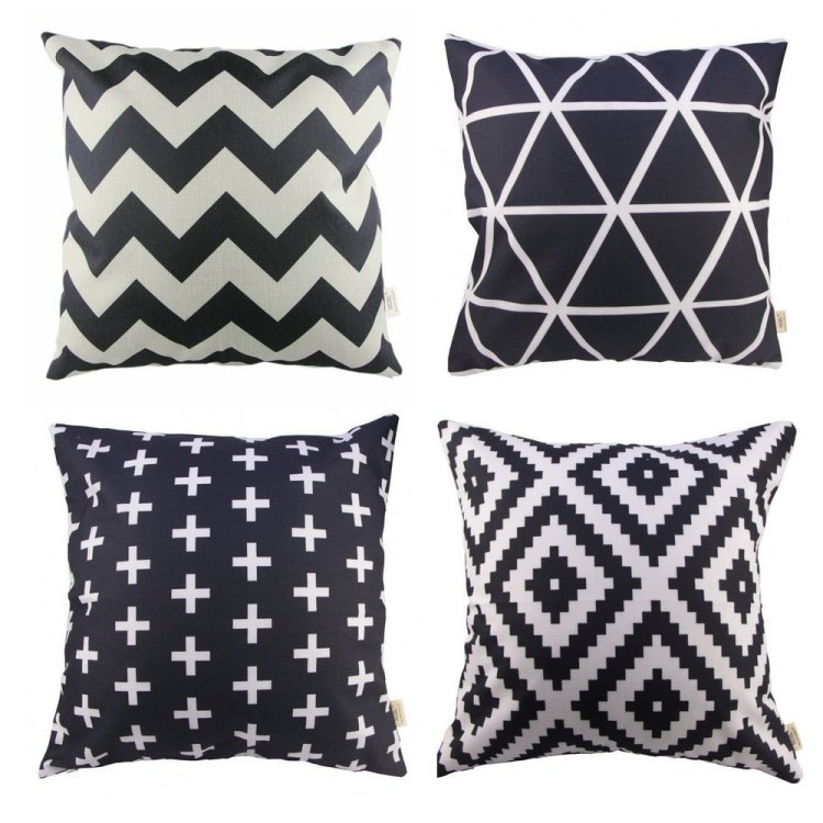 Adorable black and white pillows!