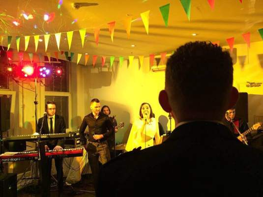house-party-wedding-band