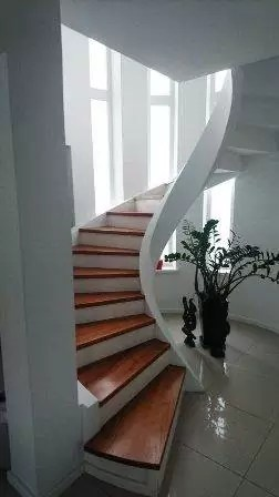 Staircase for Living room, increase in ventilation inside the house, beautiful staircase designs