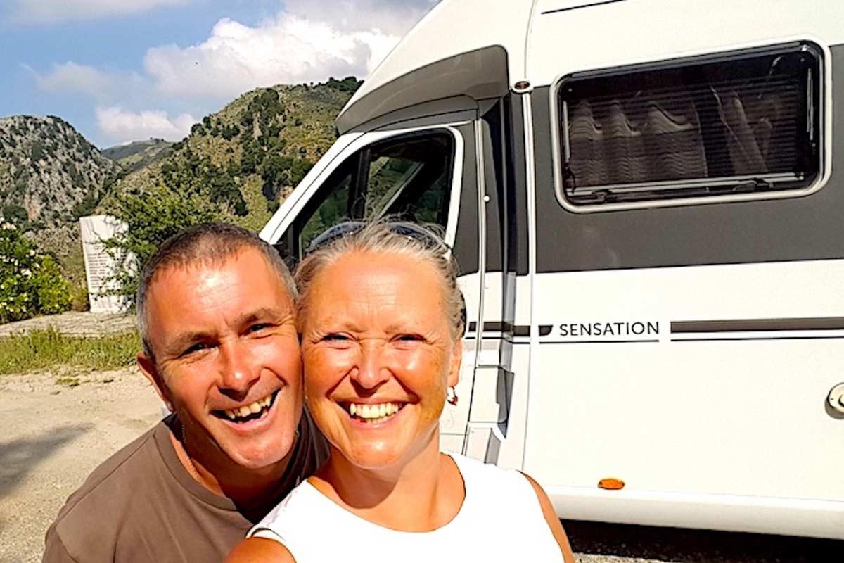 Karen & Myles, the Motoroamers