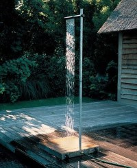 20 Fresh Outdoor Shower and Bathroom Ideas