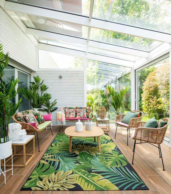 25 Cozy Sunroom Decor Ideas With Tropical Theme