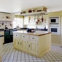Country Kitchen island unit | Kitchen designs ...