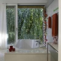 Red accents bathroom | Bathroom | housetohome.co.uk