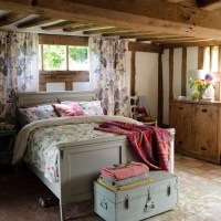 Cosy country bedroom   Bedroom decorating ideas   Beds ...