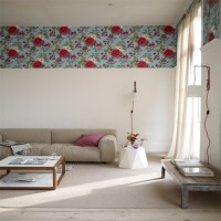 Living room with wallpaper border | Wallpaper ideas for ...