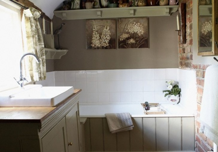 Small French Country Bathrooms
