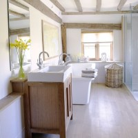 White country bathroom | Country bathroom ideas ...