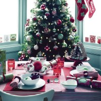 Candy striped Christmas table setting | Christmas table ...