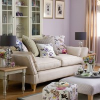 Purple living room with floral soft furnishings | Living ...