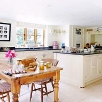 Cream open-plan country kitchen | Open-plan kitchen design ...