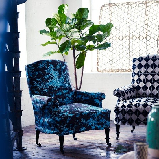 Blue patterned living room armchairs  How to decorate