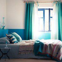 Moroccan-style bedroom with blue fabrics | Holiday hot ...