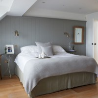 Restful grey bedroom with country panelling   Modern ...