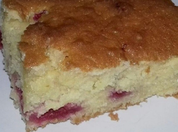 Raspberry Christmas Cake As A Perfect Coffee Cake