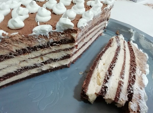 Layered Keto Cake with Chocolate Cake Mix - Recipe