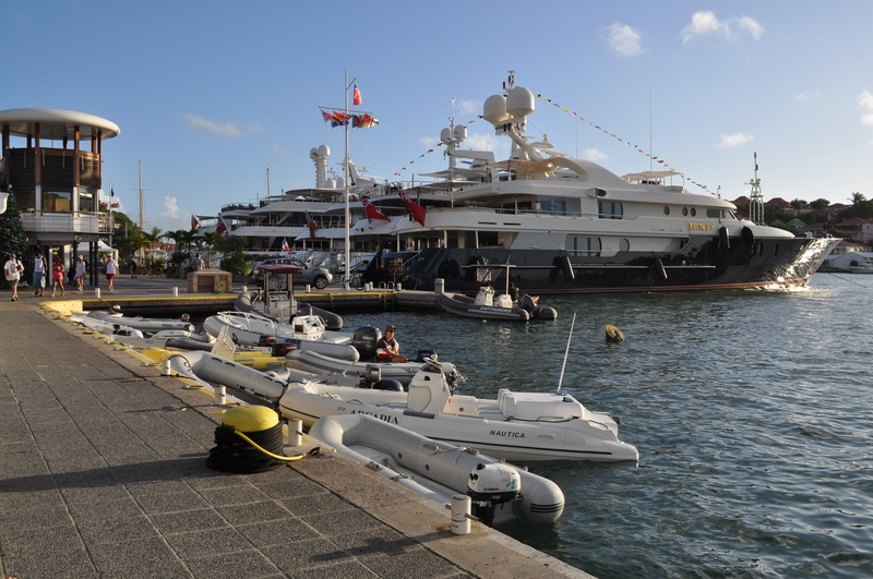 Slideshow Luxury Yachts Make Waves In St Barts As High