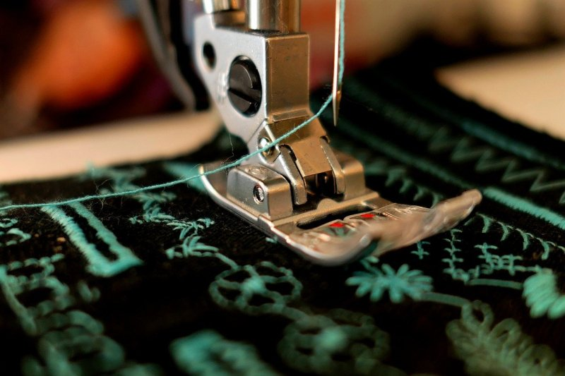 5 Top Rated Sewing Machine Brands and Their Best Products