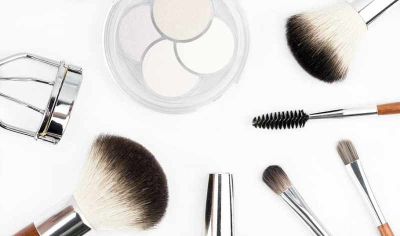 6 Top Rated Cosmetic Brands to Preserve Your Beauty