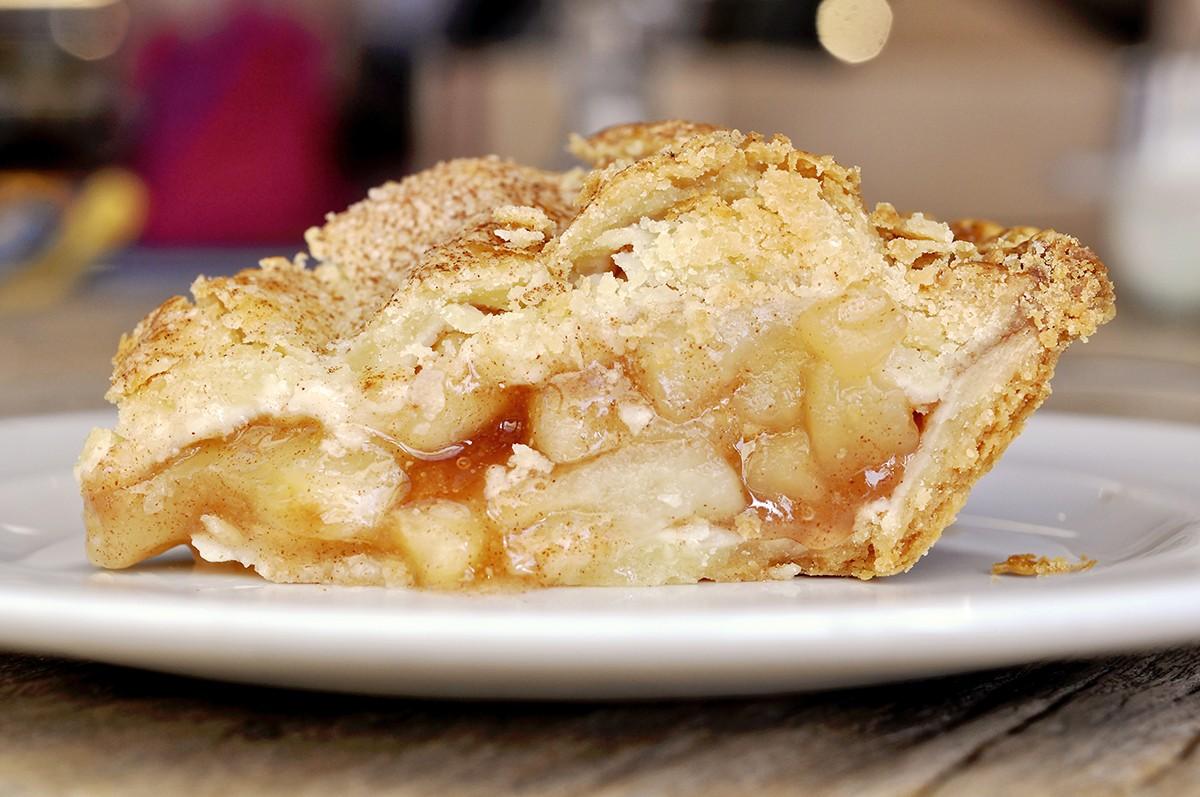 apple pie slice at Ooh La La