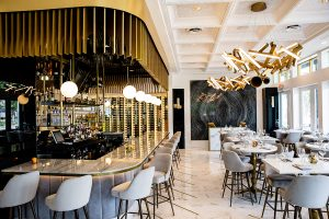 Bisou bar and dining room