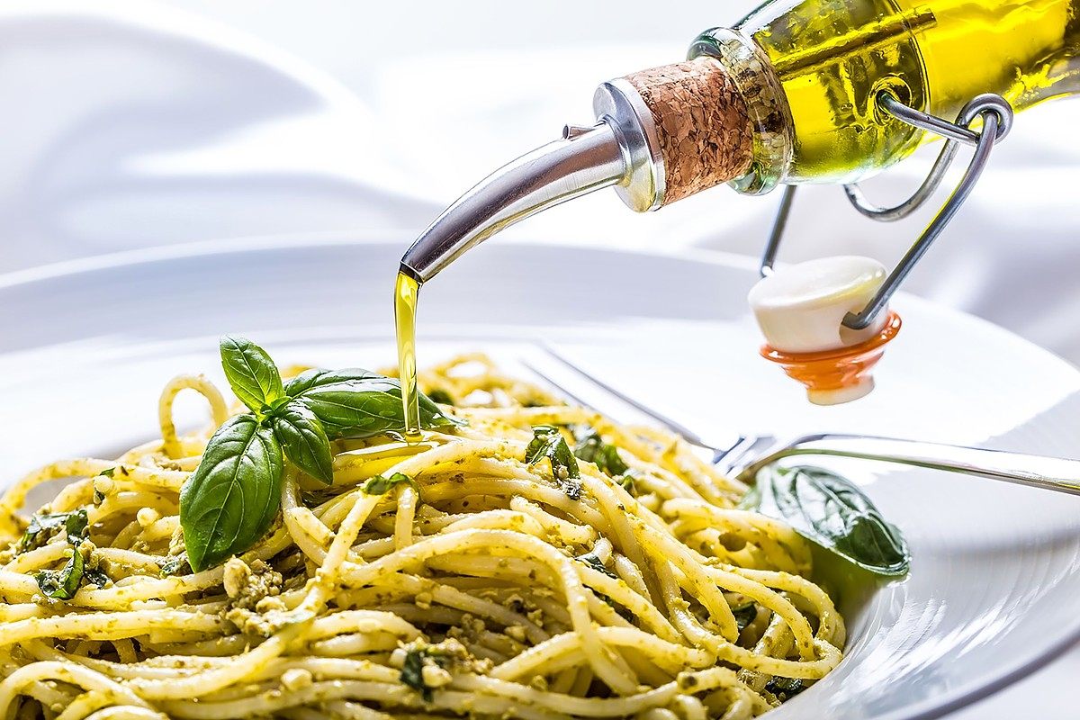 olive oil on pasta