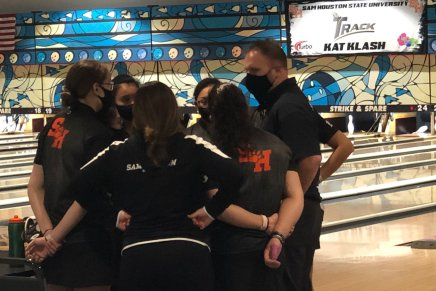 Bearkats Bowling Claims Third Place in Kat Klash