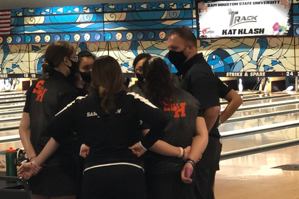 Bearkats Bowling Claims Third Place in Kat Klash