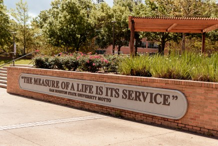 Six gorgeous places on SHSU campus that are perfect for graduation photos