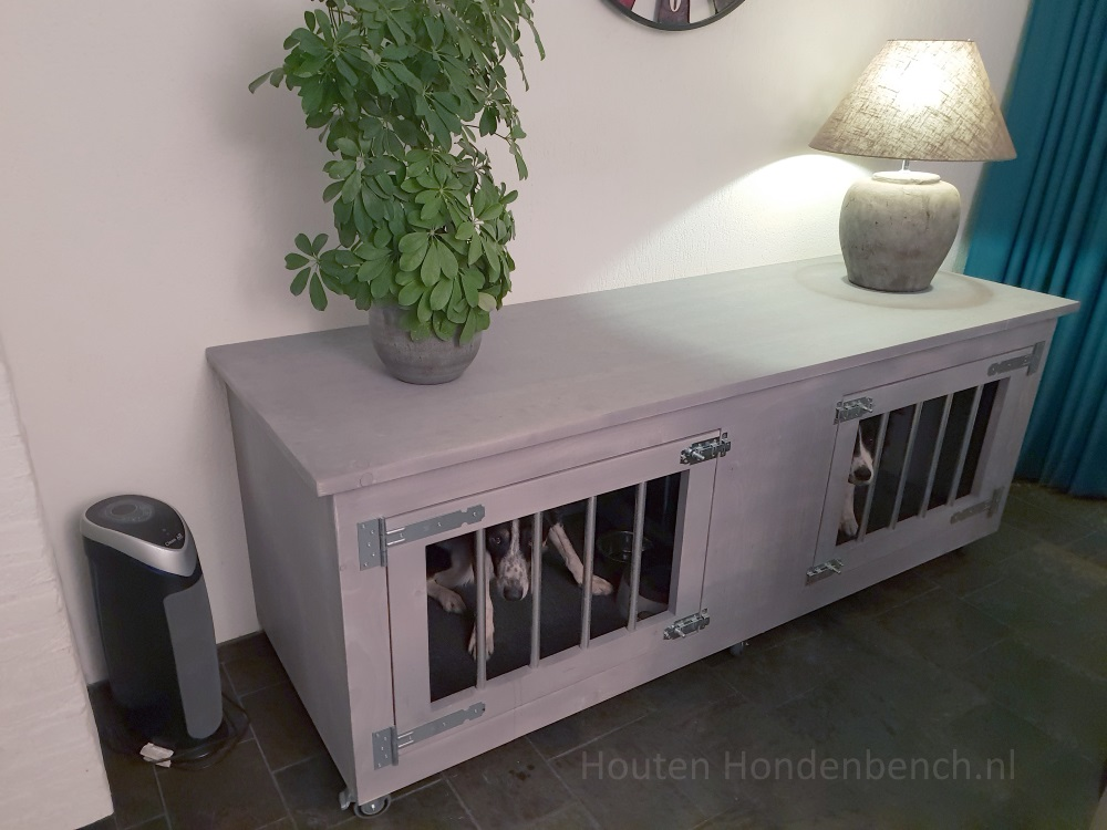 Houten hondenbench in Grey Wash