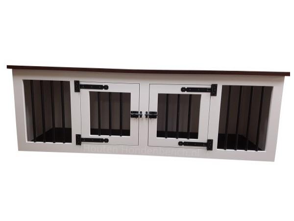 Hondenbench van hout in wit met zwart bovenblad en zwart beslag