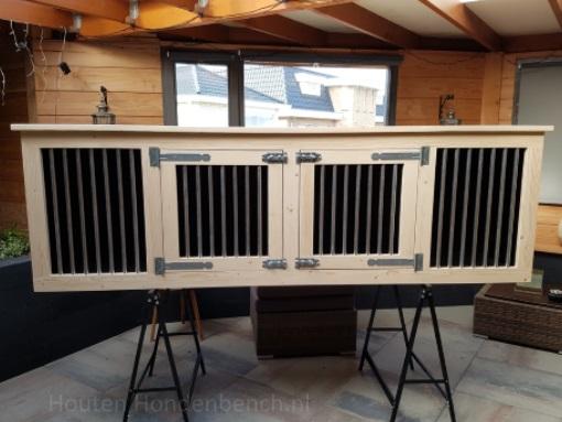 Houten hondenbench 250 x 70 x 80 cm voor aanzicht