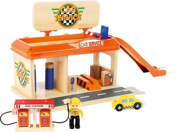 Houten speelgoed tanksstation