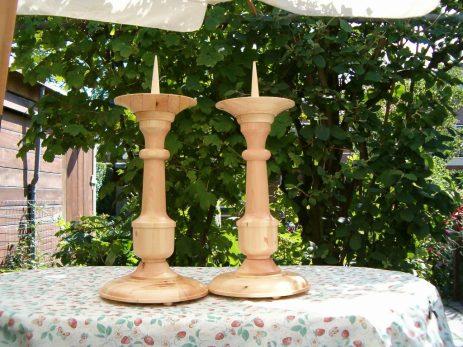 Grenen, ± 60 cm hoog, staan in Barcelona